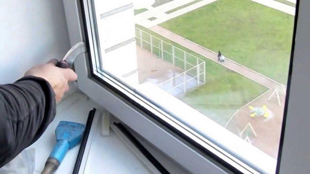 Замена стекла в пластиковом окне своими руками..