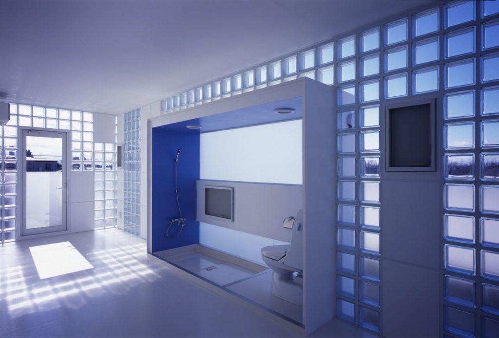 Комната со стеклоблоками