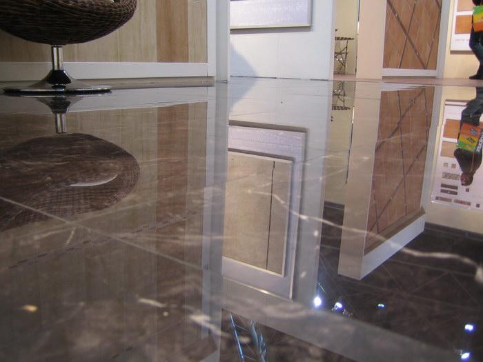 Полированная керамогранитная плитка