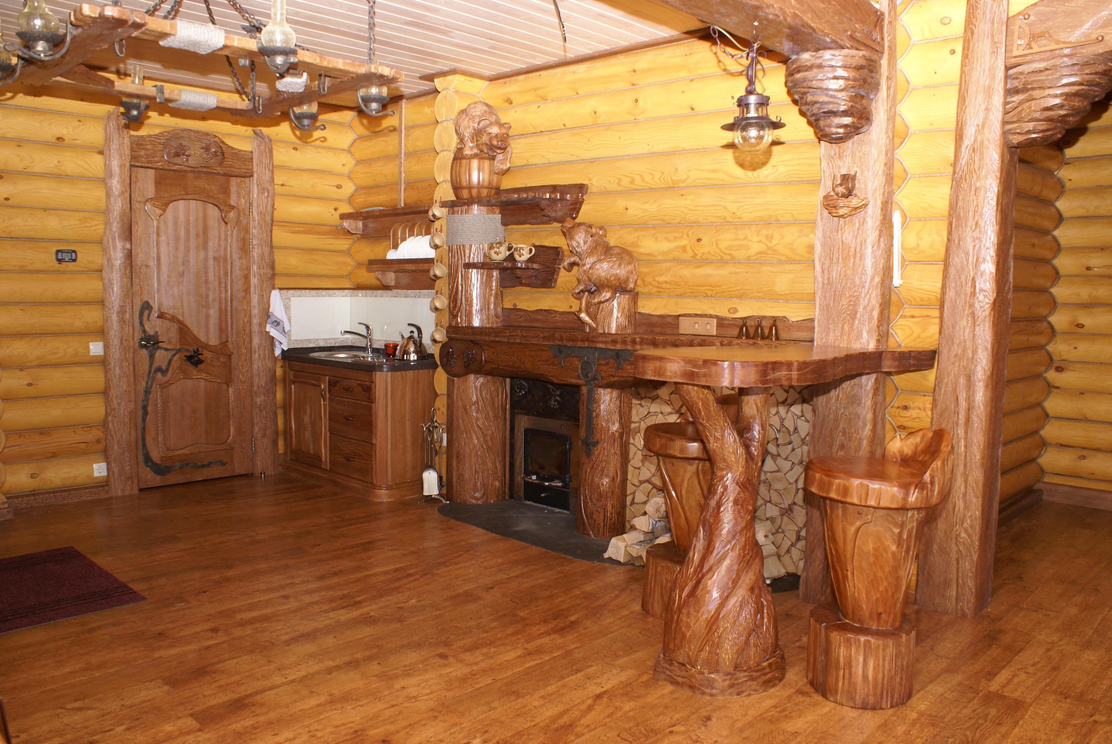деревянная дверь в сауну