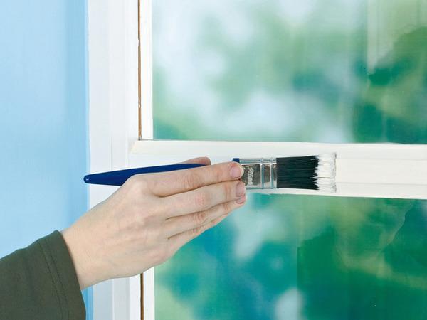 как правильно наносить краску на окно