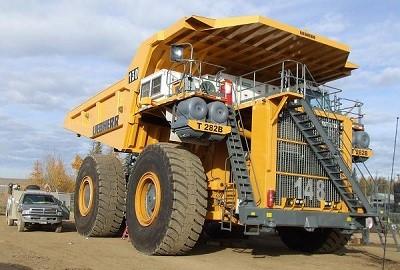 грузовик карьерный