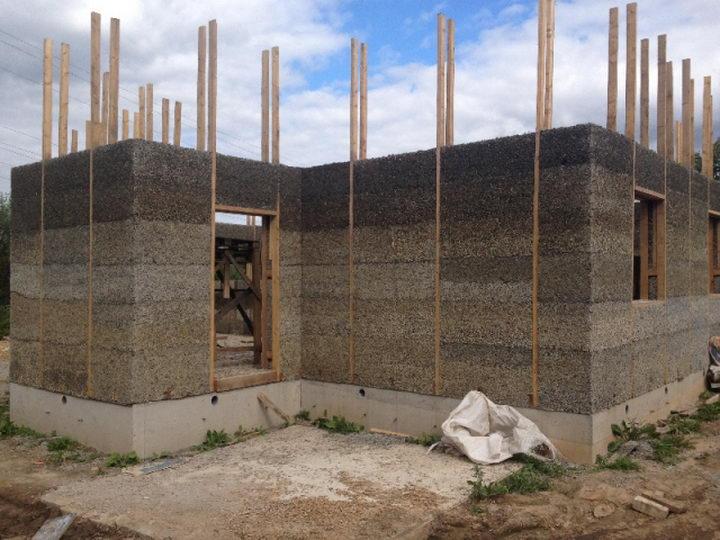 из готовых блоков строим