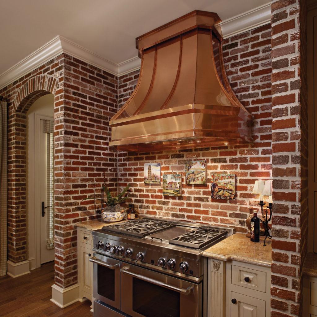 кухня из декоративного кирпича