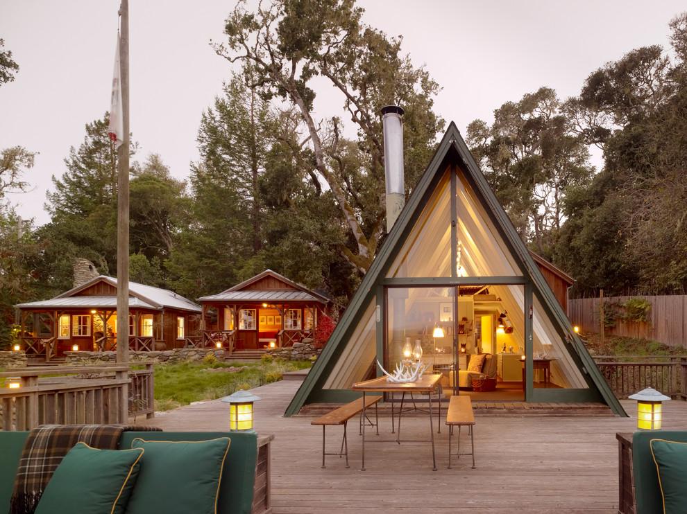 треугольный дом планировка