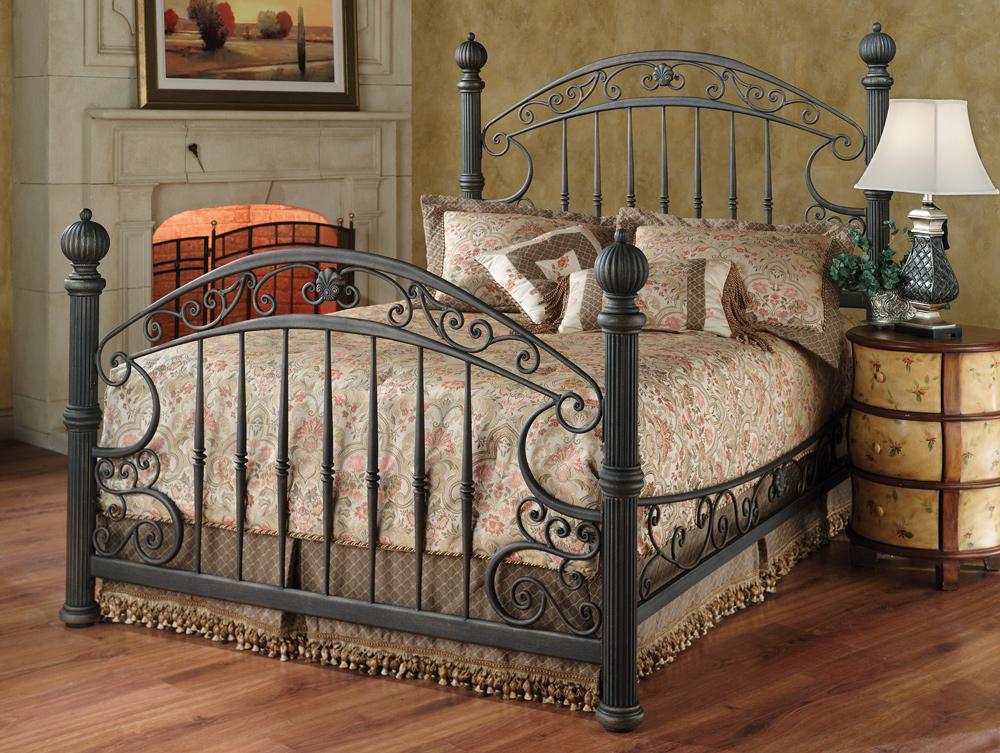 кованая железная кровать